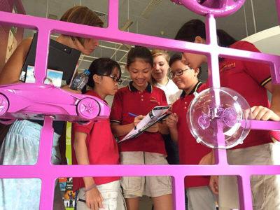 Ausflug von IGS Schülern in eine Ausstellung