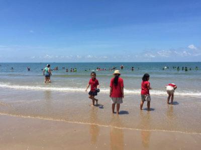 Ausflug von IGS Schülern an den Strand