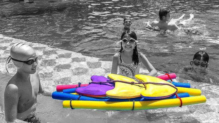 Floßbau im Schwimmbad IGS HCMC